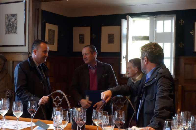 (l-r) Jean-Philippe Delmas, winemaker at Haut Brion & Mission Haut Brion, discusses the vintage with Tom Hudson, Derek Smedley & Stephen Browett